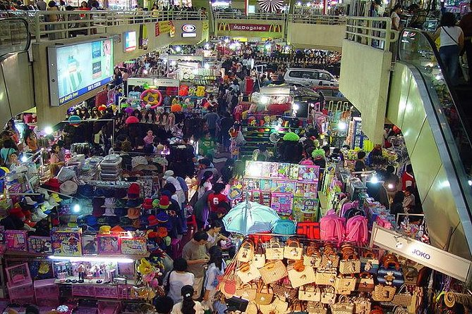 Jakarta Shopping Tour Including Round Trip Hotel Transfer