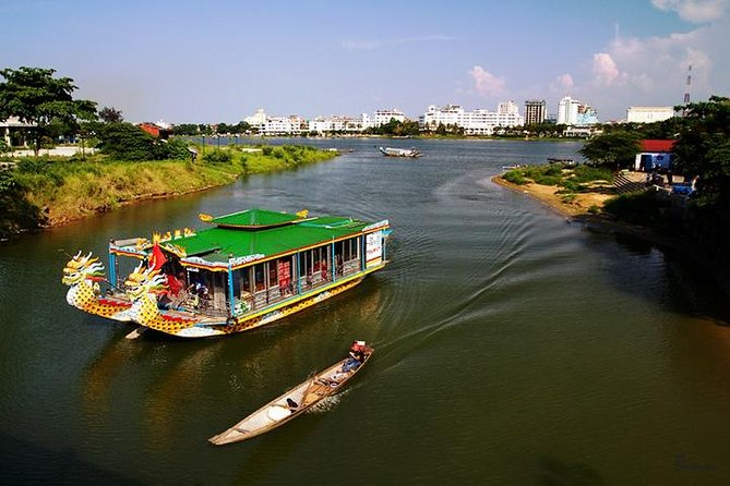 Private Tour: Full-Day Hue City Tour Including Boat Trip on the Perfume River