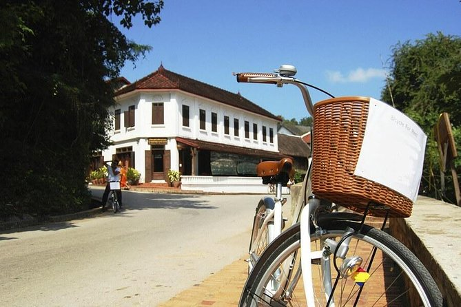 Guided Luang Prabang City Tour by Bike full day