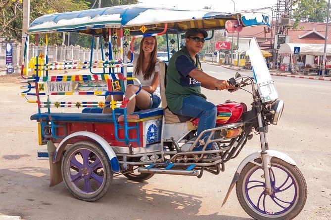 Tuk tuk Vientiane_BCfamilyTour.com