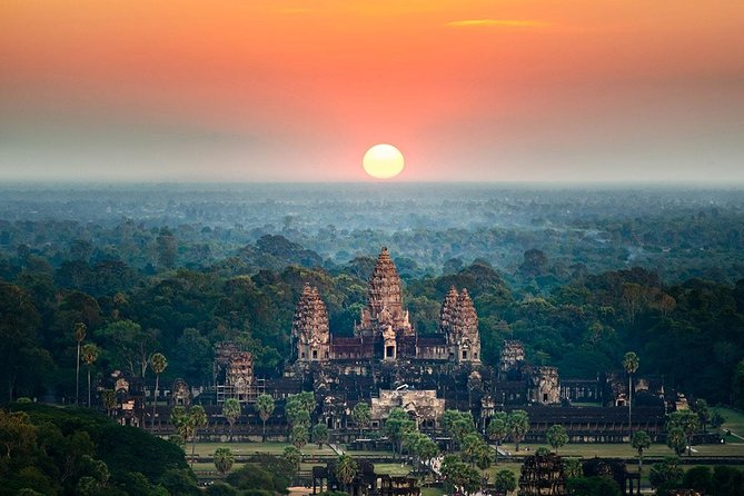 2-day Explore Angkor temples and Tonle Sap Lake from Siem Reap - Private Tour