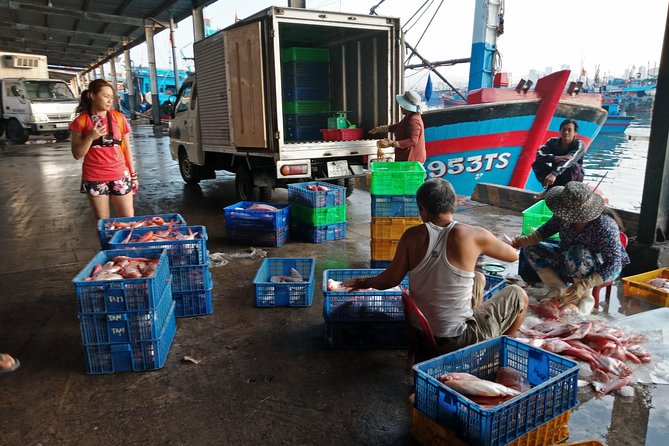 Morning Bike Tour to Fishing Port and Local Market of Nha Trang