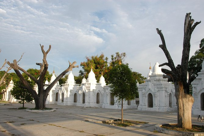 Private Airport Transfer and Sightseeing Combo: Mandalay International Airport (MDL) to Mandalay Hotels including Cultural Heritage Tour