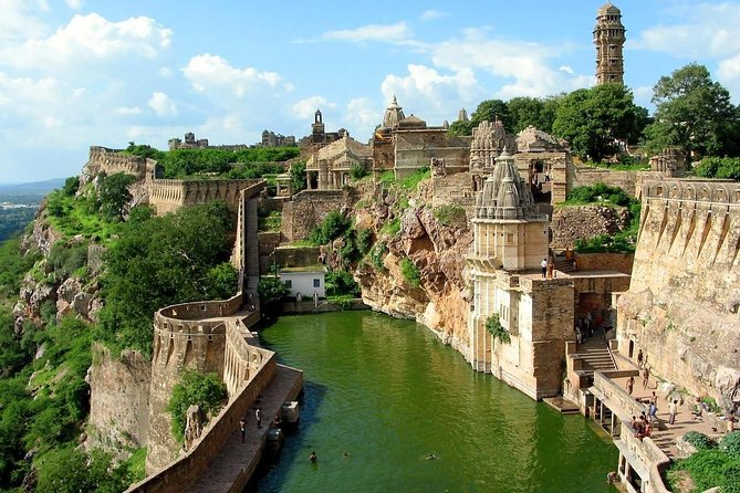 Chittorgarh Fort Day Tour from Udaipur With Lunch