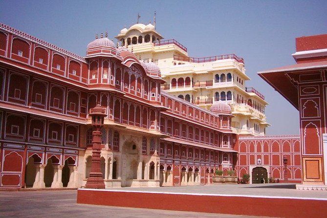 Skip The Line: Guided Jaipur Sightseeing Tour With Lunch & Entry Fee (Optional)