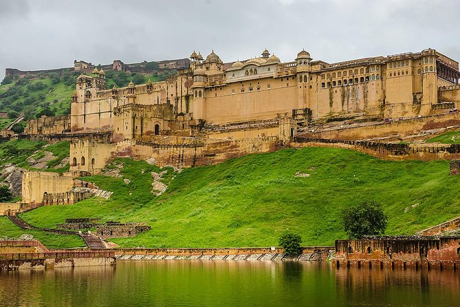 Guided Jaipur City Tour by Day and Night with Traditional Indian Home Dinner