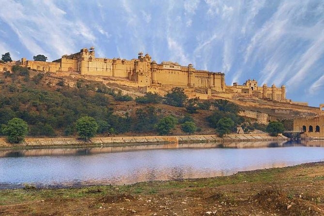 Guided Jaipur Tour including Amber Fort, City Palace & Hawa Mahal with Lunch