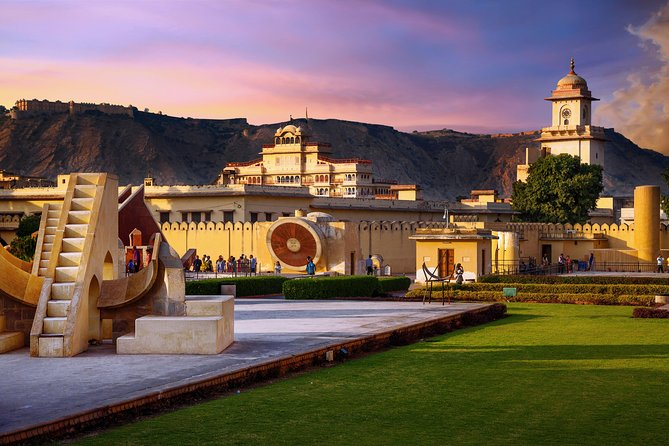 Private Three Days Guided Jaipur Pink City Tour From New Delhi With Traditional Dinner with an Indian Family
