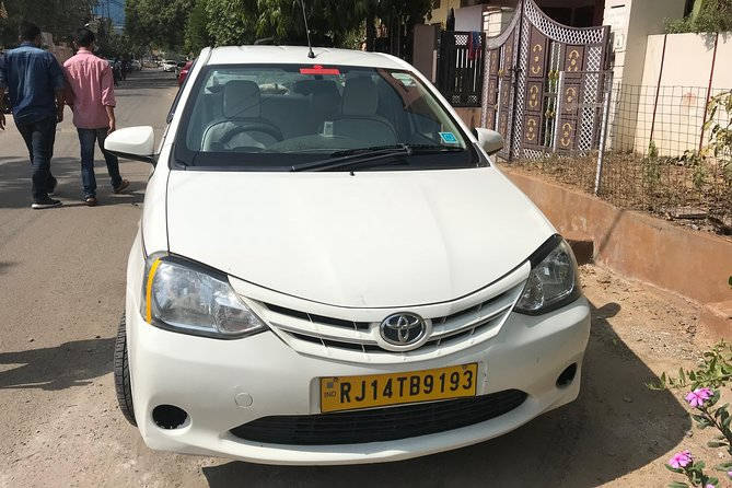 One Way Transfer From Jaipur To Pushkar in AC Vehicle With Optional Lunch