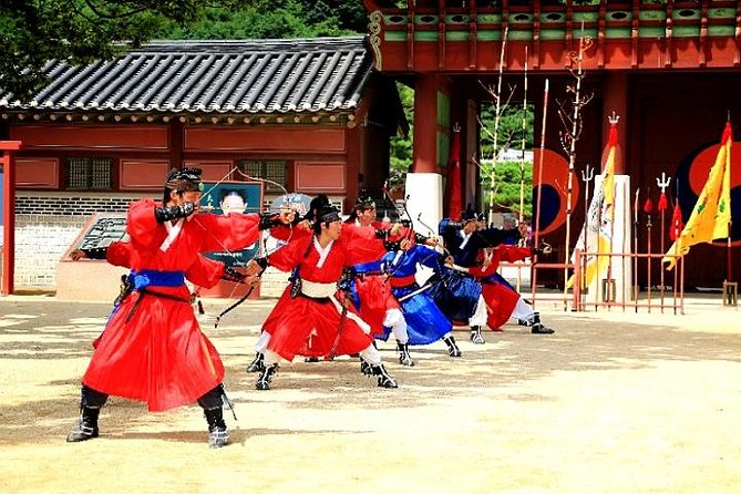 Private Full Day Tour to Korean Folk Village and Hwaseong Fortress