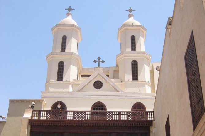 Private Guided Day Tour to Giza Pyramids Egyptian Museum and Hanging Church in Cairo