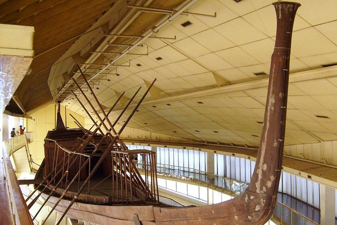 Private Full-Day Cairo Tour Including Giza, Solar Boat Museum, Felucca, and Nile Dinner Cruise