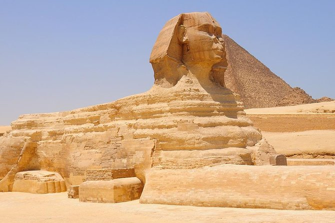 Private Tour: Cairo, Giza Pyramids, Sphinx, and Hanging Church from Hurghada