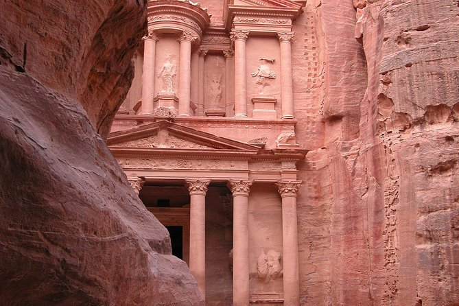 Aqaba Shore Excursion: Private Petra Sightseeing Tour with Lunch