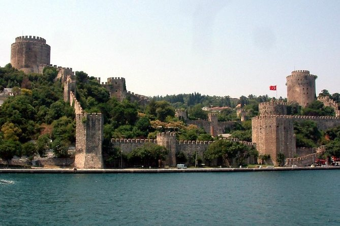Private Tour: Rumeli Fortress and Anadolu Fortress from Istanbul