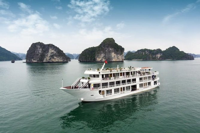 Overnight Luxury 5 Star Alisa Cruise with Meals, Kayak or Bamboo Boat