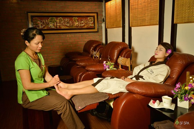 Small group Hanoi Cyclo tour with Dinner and Spa Treatment