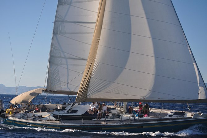 Mykonos: Semi-Private Sailing Yacht Cruise to Rhenia and Guided Tour of Delos