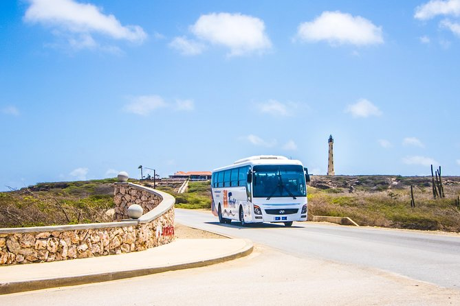 Aruba Island Highlights Tour via Bus with Arashi Beach Visit