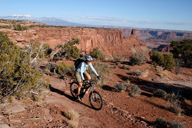Dead Horse Point Half-Day Guided Mountain Biking Tour in Moab