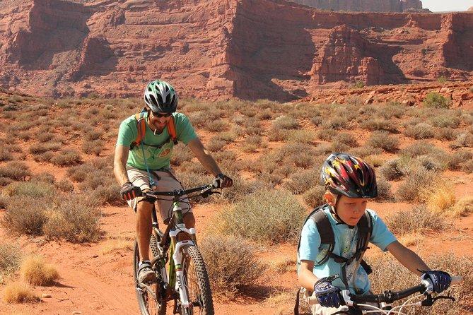 Introductie mountainbikingavontuur in Moab gerechtsgebouw