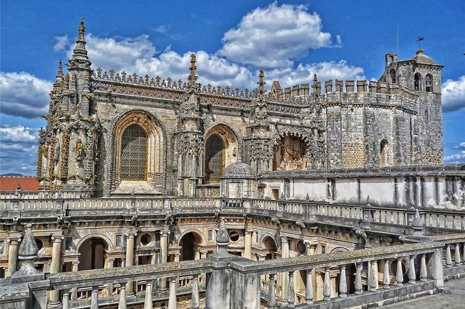 Medieval Knights Templar and Alcobaça Private Day Trip from Lisbon
