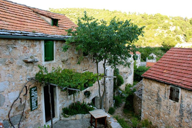 Hvar Charming Abandoned Village Small Group Tour and Local Dinner