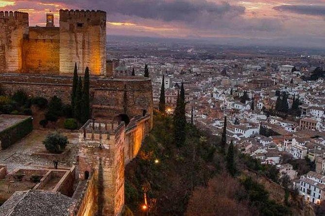 Transfer from Seville to Granada with a stop in Ronda