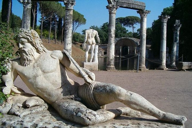Private Tivoli - Hadrian's Villa and Villa D'Este Half-Day Tour from Rome