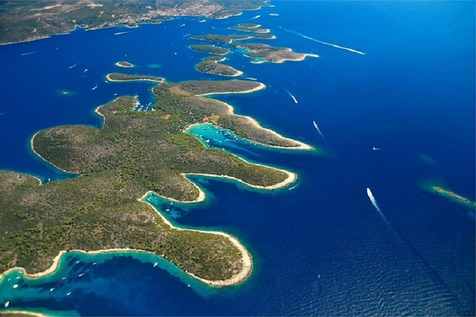 Half day Sailing from Hvar to Pakleni Islands with classic sailing yacht