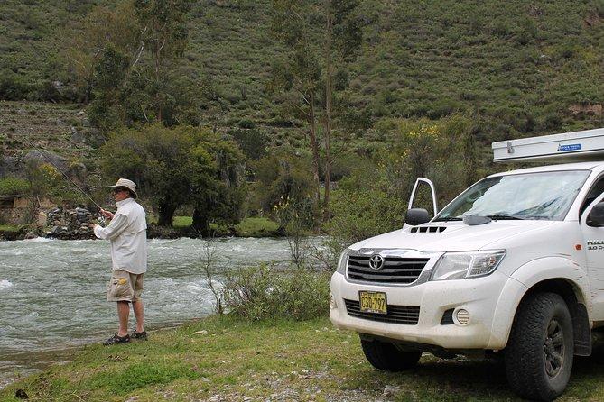 Motorhome Rental: Toyota Hilux with Slide in Fourwheel Camper