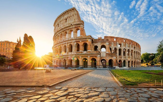 Private Tour:Rome in One Day with Vatican,Pantheon,Fountains,Squares,Markets