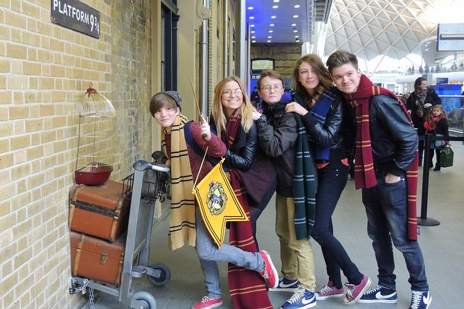 3-hour Harry Potter & Fantastic Beasts with Platform 9 ¾ & Shop Visit