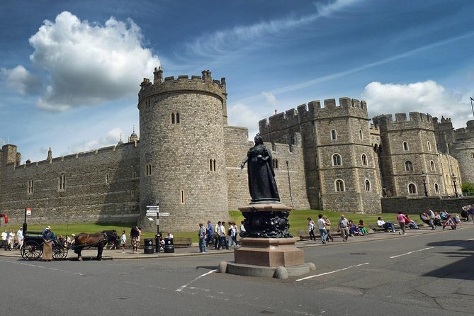 Private Half-Day Windsor Castle, Park and Old Town Tour from London