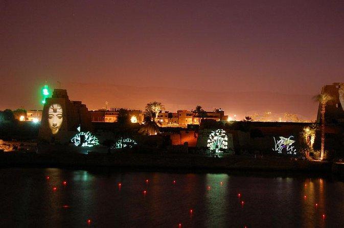 Sonido y espectáculo de luz en el templo de Karnak