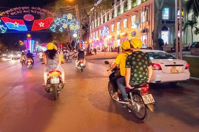 自転車でサイゴンナイトライフツアー