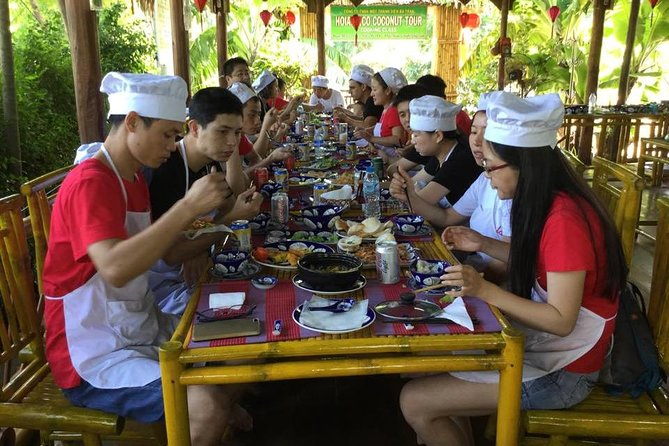 Hoi An Market Visit and Cooking Class with Eco Tour