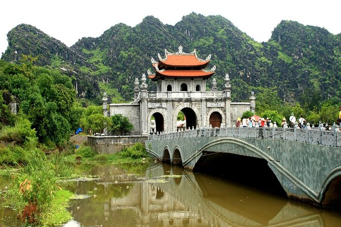 Full-Day Tour of Hoa Lu and Tam Coc from Hanoi