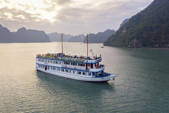 La Paci Cruise 2 days 1 night: Halong bay - Lan Ha bay - Kayaking & Swimming