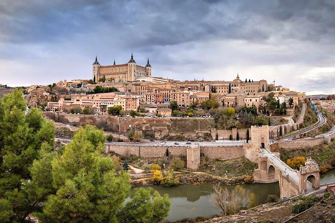 Private full day tour of Toledo & Segovia from Madrid with hotel pick up