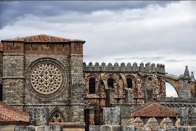 Private 3-hour Walking Tour of Avila with official tour guide