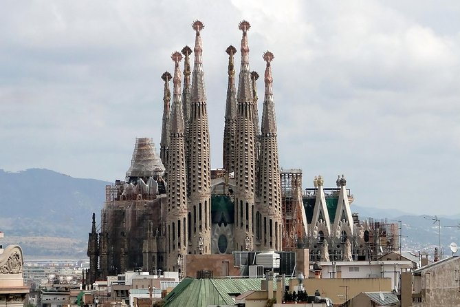 Private Full Day Gaudi Tour: Pedrera Casa Batllo Sagrada Familia and Guell