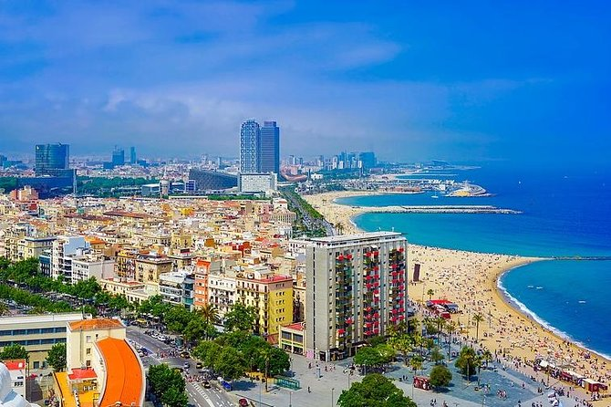 Private Day City Tour of Barcelona 4 hours and La Roca Village 5h with pick up