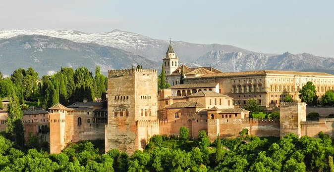 Private Official Guide to Visit Alhambra in Granada from Malaga Hotel pick up