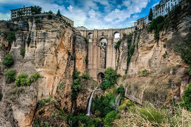 Private Full Day Tour to Ronda from Seville with Hotel pick up and drop off