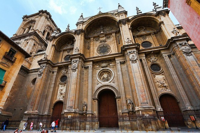 Private 3-hour Walking Tour Granada (incl. tickets to Cathedral & Royal Chapel)