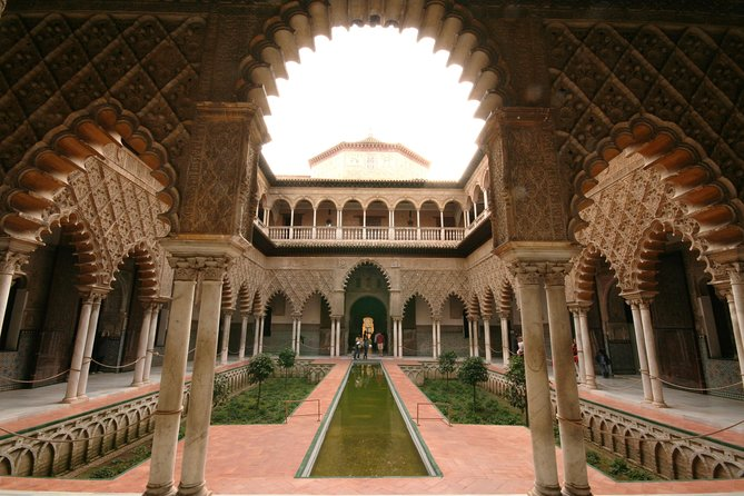 Skip the line: Alcazar Guided Tour in Seville photo 7