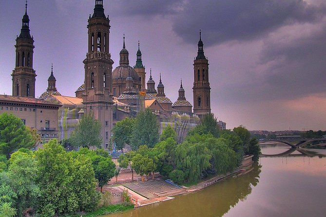 Private Walking Tour of Zaragoza with official tour guide