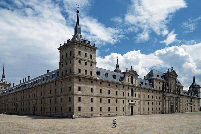 El Escorial and Valley of the Fallen: Fast Track Entry and Guided Visit