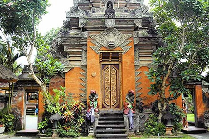 Amazing Private Tours-Tegenungan Waterfall-Monkey Forest-Ubud Palace & Market